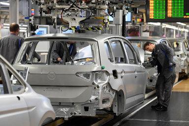 Německá ekonomika začíná nový rok opatrně. Podnikatelská nálada se zhoršila, průmysl však slibuje zotavení