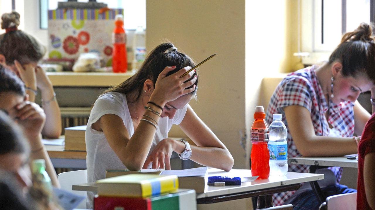 Všichni stejné testy:Kdo chce studovatmaturitní obor, musí zvládnout jednotný test zmatematiky ačeštiny.