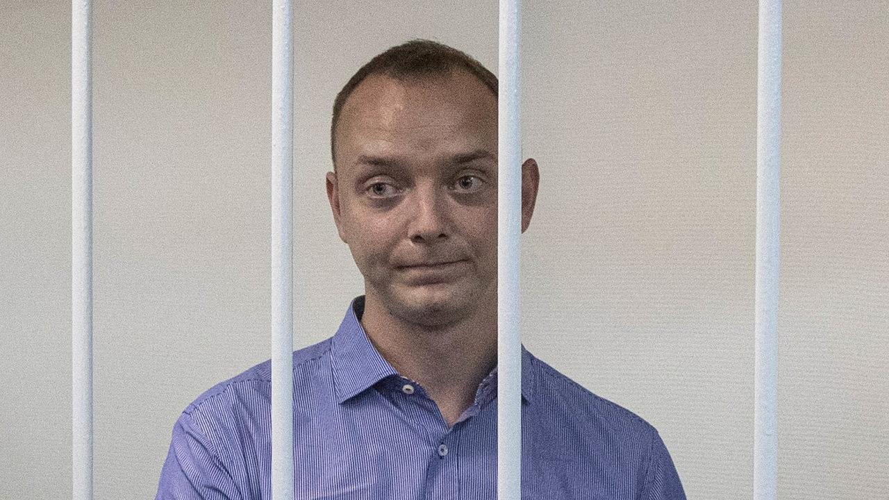 Podle FSB měl třicetiletý současný poradce ředitele ruské kosmické agentury Ivan Safronov odroku 2012 pracovat pro českou rozvědku.