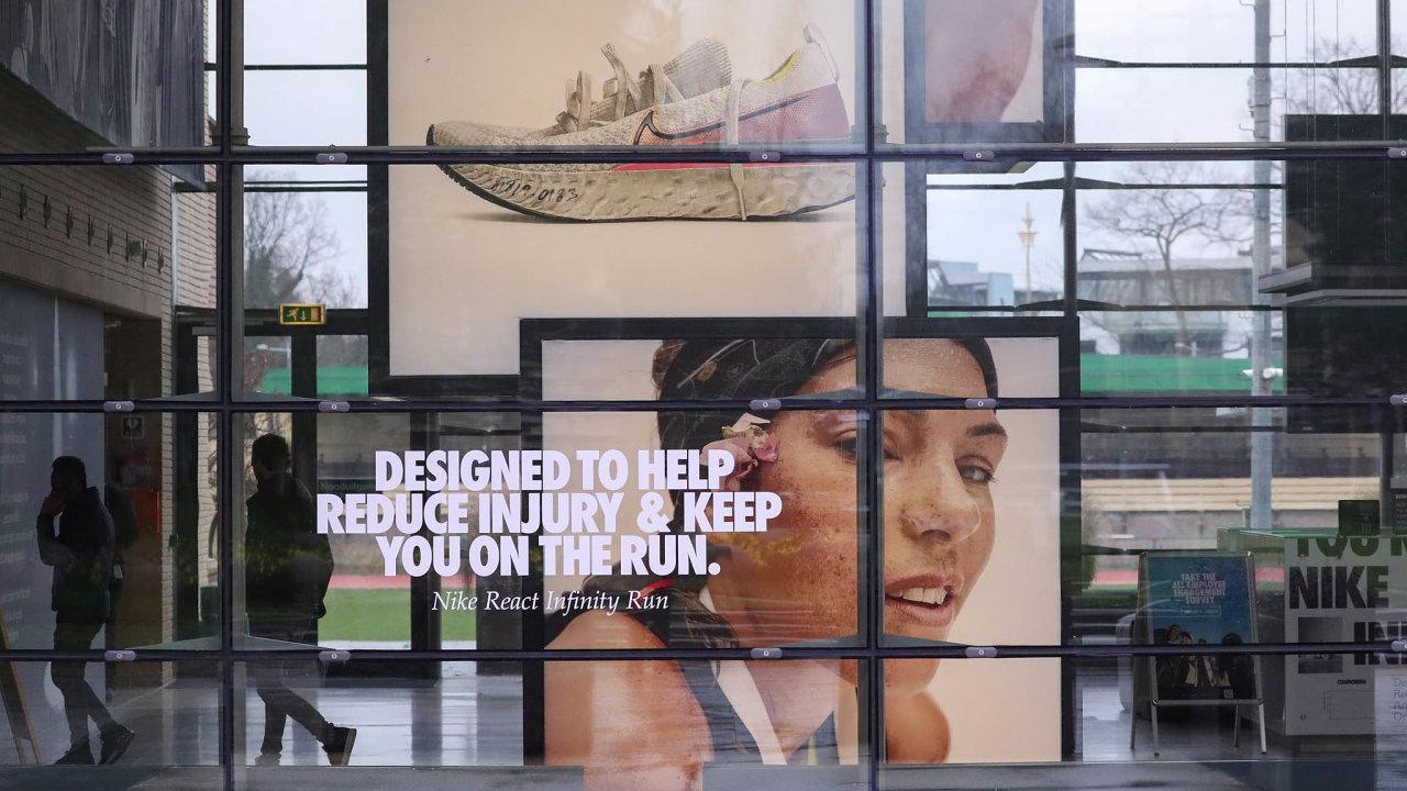 Největší světový výrobce sportovního oblečení aobuvi Nike.