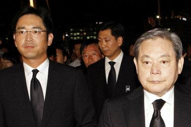 Generační výměna ve vedení Samsungu. Potomky zesnulého Leeho tíží obří dědická daň