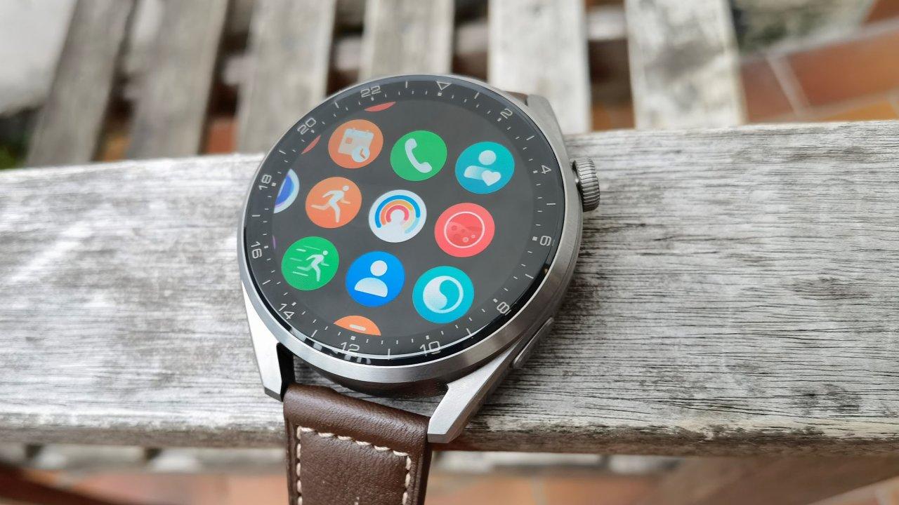 Hodinky Huawei Watch 3 přidávají  nové funkce i senzory, drží se ale osvědčeného designu