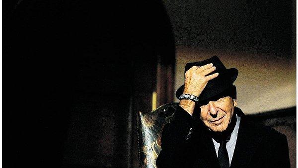 Soud dal Leonardu Cohenovi podruh� za pravdu ve sporu s jeho b�valou mana�erkou.