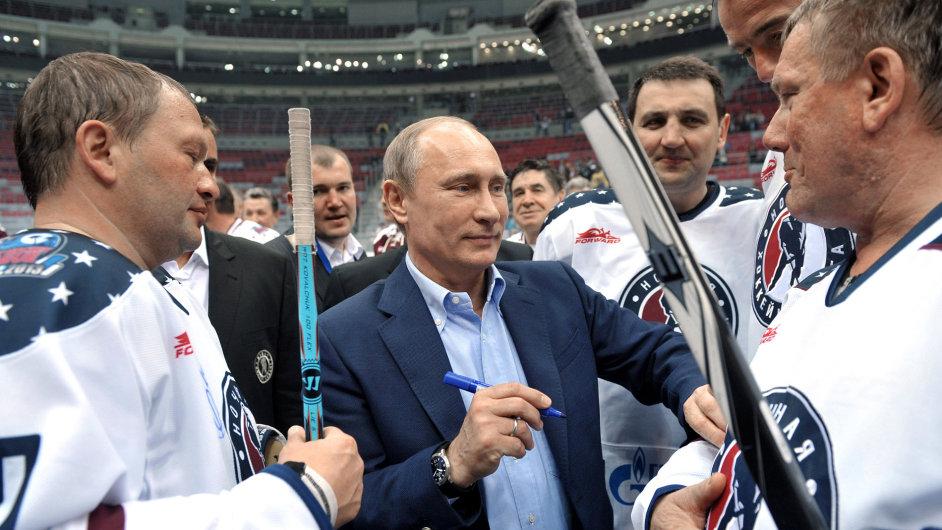 Ruský prezident Vladimir Putin se sportovci