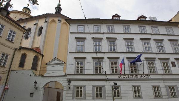 Hotel Augustine napražské Malé Straně patří mezi ty vůbec nejluxusnější vPraze. Pokoj se tu pronajímá zaskoro 500 eur na noc, tedy přes dvanáct tisíc korun.