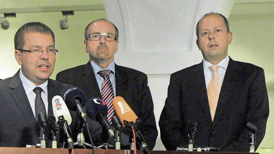 Exposlanci Tluchoř, Fuksa a Šnajdr