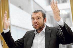 """""""Nejhorší je nejistota a spojování investičních fondů s tunely,"""" tvrdí předseda AKAT Beneš."""