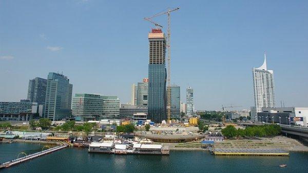 Současná podoba Donau City s novou výškovou budovou