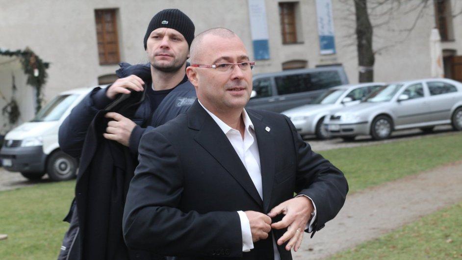 Martin Barták, tisková konference k obvinění z korupce, 7. prosince 2011