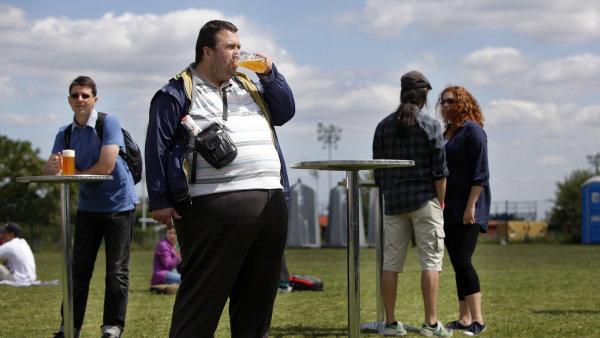 Čeští muži vedou v žebříčku obezity. (ilustrační foto)