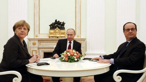 V neděli začaly agentury přinášet zprávy, že se Merkelová, Hollande, Porošenko a Putin mají ve středu sejít v Minsku.