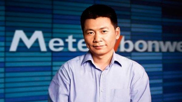 Zakladatel a generální ředitel čínského oděvního řetězce Metersbonwe Čou Čcheng-ťien.
