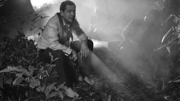 Film původně nazvaný Hele Sa Hiwagang Hapis byl v Berlíně uveden pod mezinárodním distribučním titulem A Lullaby to the Sorrowful Mystery.