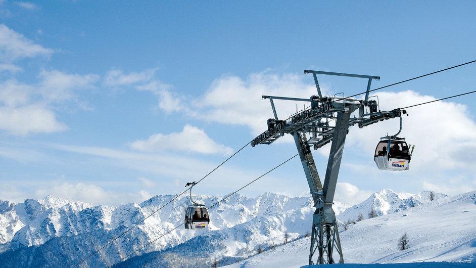 V Sillianu si vybere každý lyžař: z vrcholu Thurntaler ve výšce přes 2400 metrů nad mořem se dá jet po červeno-modrých nebo obtížnějších černých sjezdovkách.