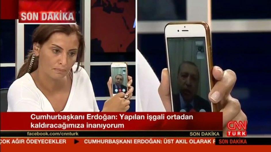 Turecký prezident Erdogan se do vysílání CNN dostal přes aplikaci FaceTime