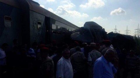Tragedie_v_Egypte._V_Alexandrii_se_srazily_dva_vlaky.jpg