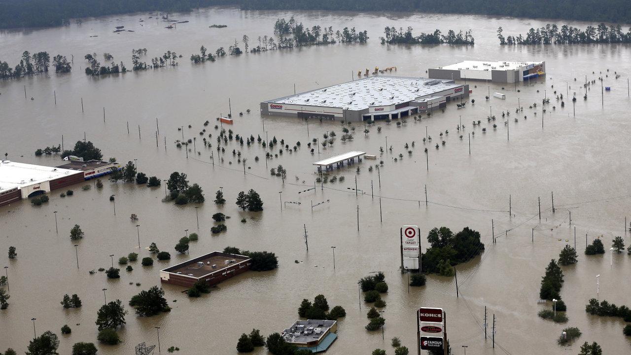 Bouře Harvey se vrátila nad pevninu, je už v Louisianě.