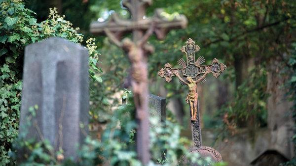 Hřbitov, dušičky