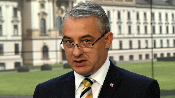 Podle šéfa odborářů Josefa Středuly mohou mzdy růst i o dvacet procent.