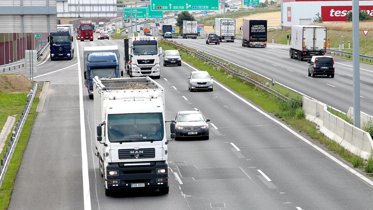 Pokrytí rychlým mobilním internetem na dálnici D1 zvládl nejrychleji operátor O2.