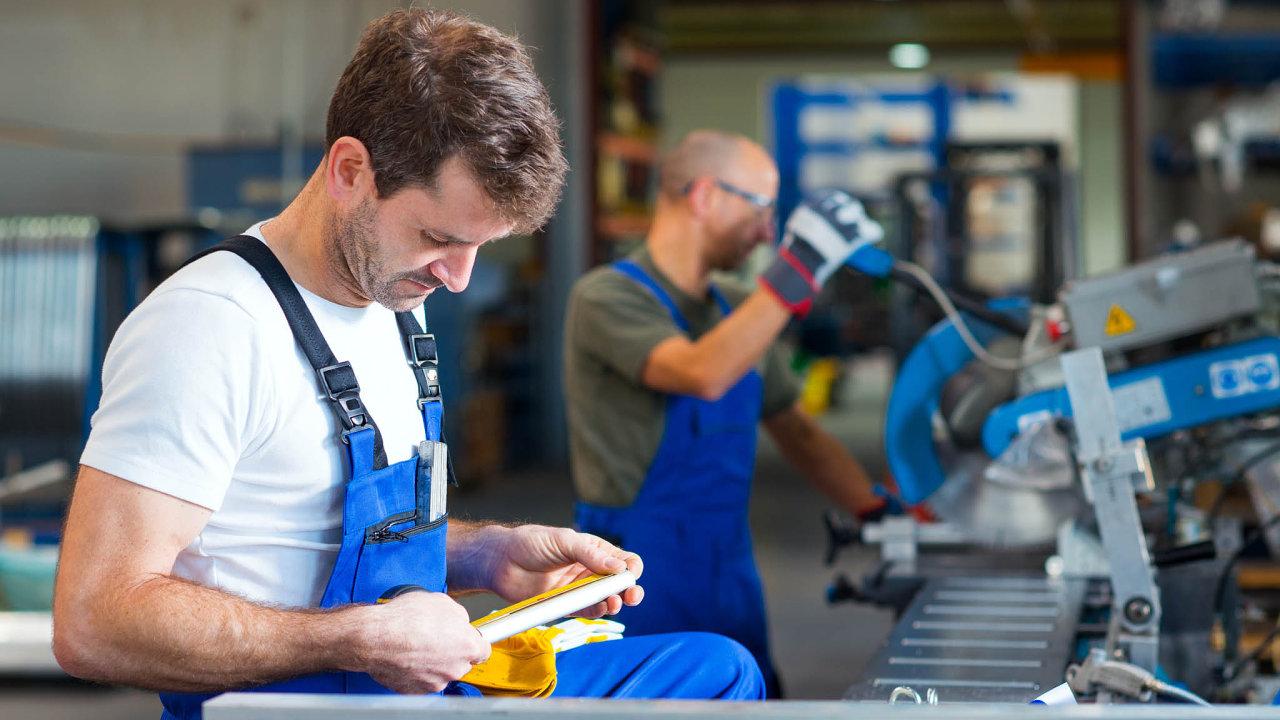 Změnu práce častěji zvažují mladší lidé - ve věku 20 až 29 let - nebo například lidé se základním vzděláním.