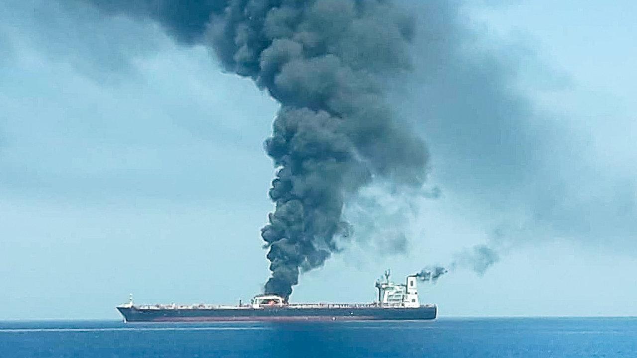 Perský záliv už jednu válku tankerů prožil před 30 lety.