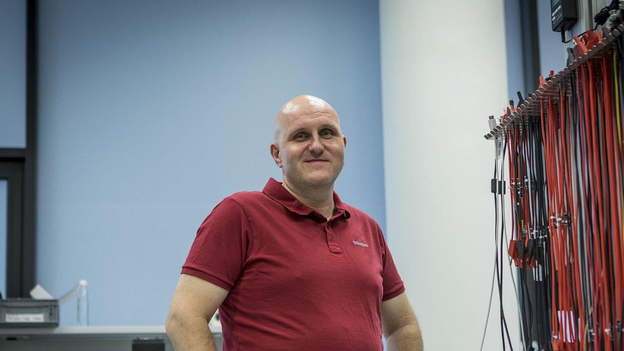 Inovativní Siemens. Ředitel Vývojového centra internetu věcí pro Evropu (aČesko) Vladimír Kulla považuje vlastní výzkum zanezbytný, aby firma obstála naměnícím se trhu.