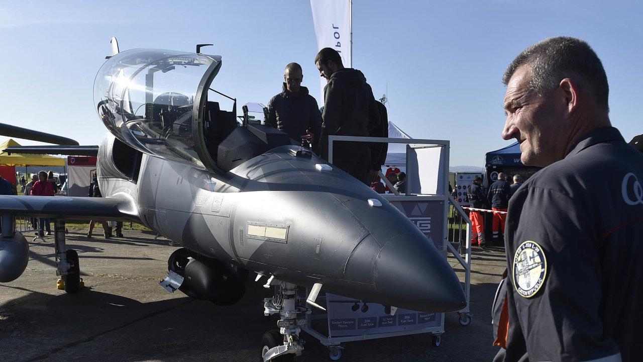 Divákům se představily vojenské, záchranářské abezpečnostní jednotky ze17 zemí. Na snímku je český letoun L-39NG.