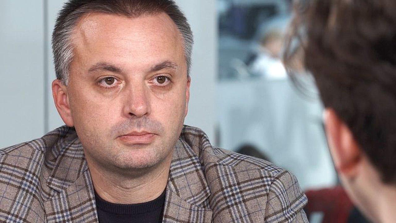 Rozbitá síť ruských špionů? Na jejich akci se podílela ambasáda v Praze, říká Kundra.