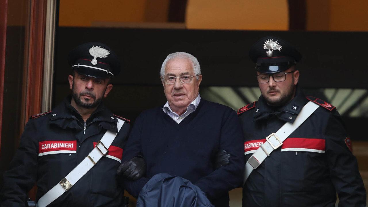 Italská policie v úterý zatkla Settima Minea, nového šéfa sicilské mafie Cosa Nostra.