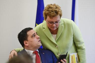 Předsedkyně výboru pro rozpočtovou kontrolu Monika Hohlmeierová a europoslanec Tomáš Zdechovský.