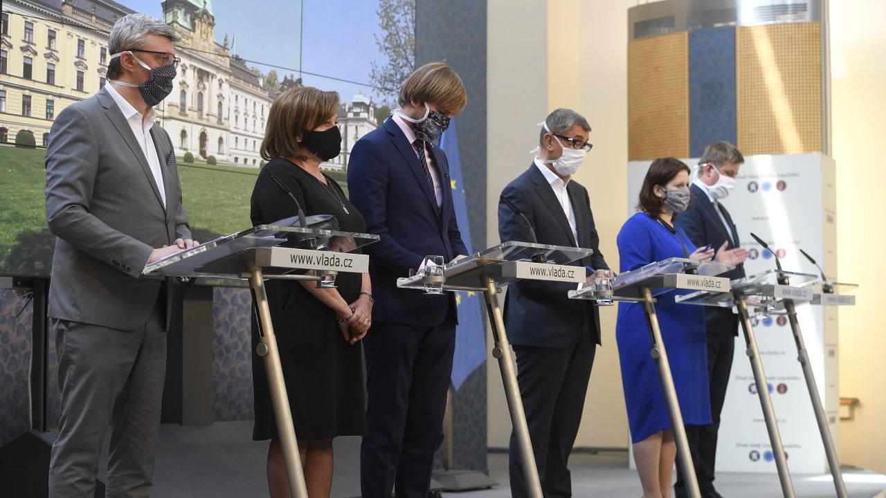 Tisková konference po jednání vlády 24.4.