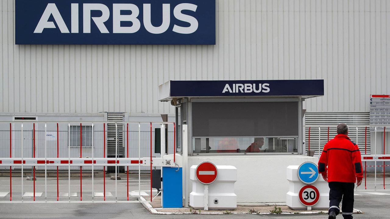 Narozdíl odsvého hlavního konkurenta, Boeingu, Airbus vdubnu dodal pár letadel, těch 14 strojů však představuje meziroční pokles výroby o80 procent.