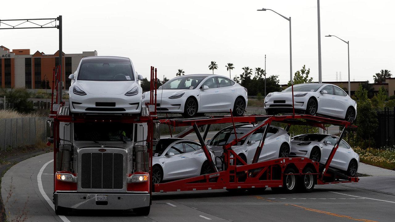 Automobilka Tesla nedávno oznámila, že vetřetím čtvrtletí prodala 139 300 aut, více, než se očekávalo.