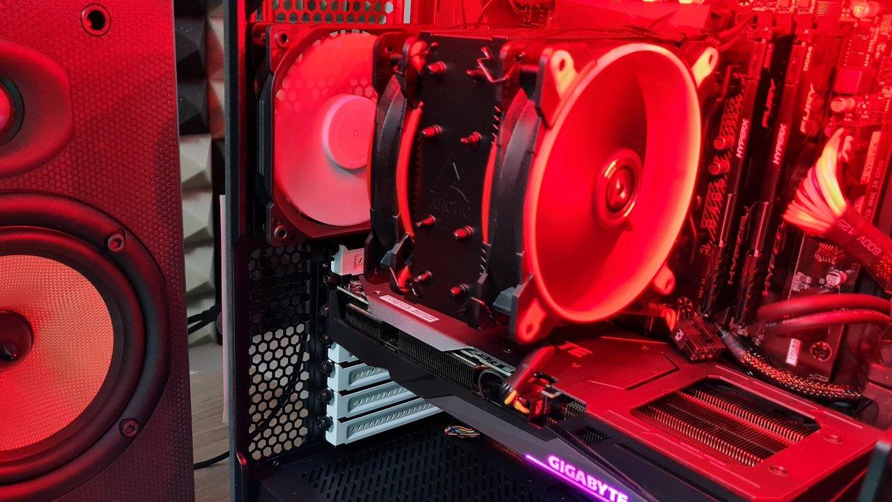 GeForce RTX 360 v počítači X-Diablo od AT Computers zvládne více, než se o ní říká