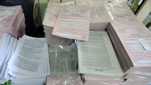 Na podnikatele letos �ek� p�es 700 stran statistick�ch formul���.