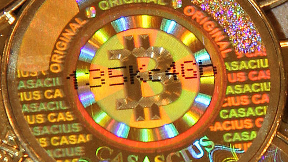 Bitcoin v podobě mince