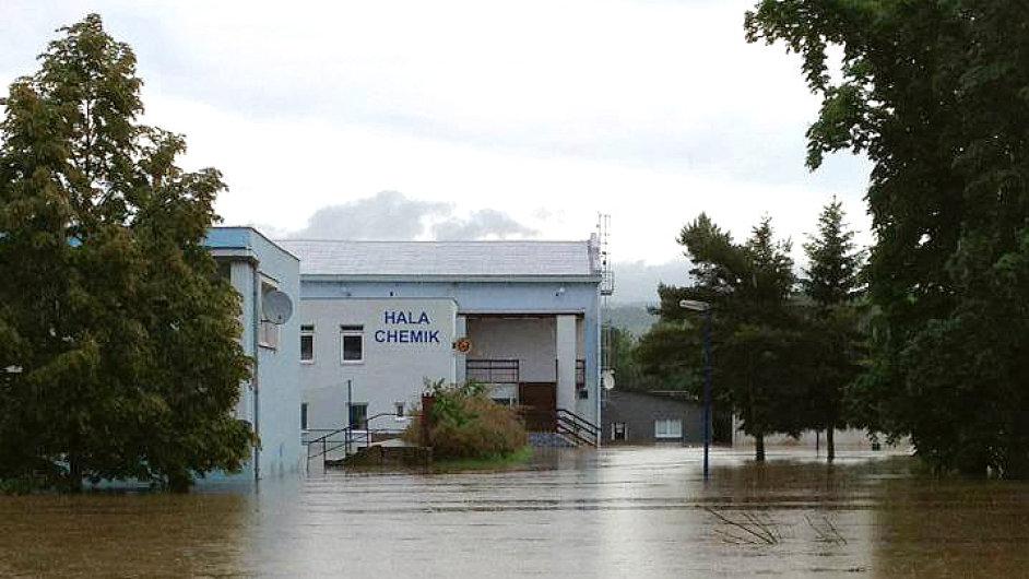 Zaplavená hala Chemik,  Lovosice, 5. června 2013
