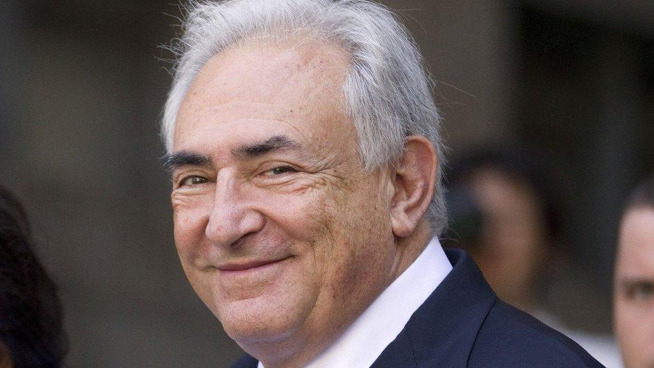 Bývalý šéf Mezinárodního měnového fondu Dominique Strauss-Kahn má důvod k úsměvu.