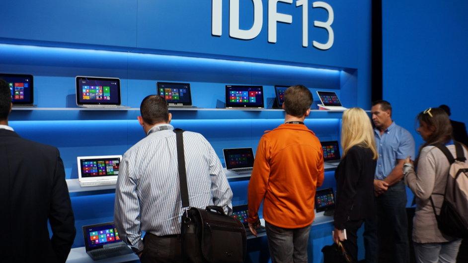 Přehlídka zařízení s procesory Intel na konferenci Intel Developer Forum