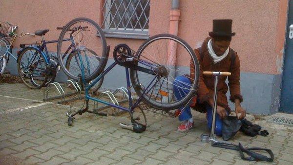 Každé kolo lze spravit, aby se znovu mohlo vydat na cestu.