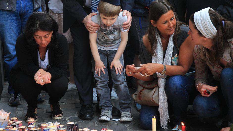 Při útoku na bruselské židovské muzeum zahynuli čtyři lidé.