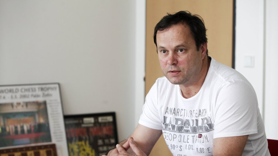 Turné kapely Lucie zorganizoval šéf české pobočky Live Nation Robert Porkert.