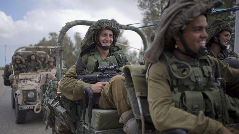Vojenská vozidla izraelské armády. Ilustrační foto