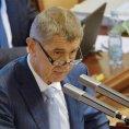 Ministr financ� Andrej Babi� na jedn�n� sn�movny