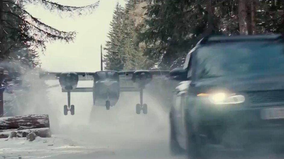 Film Spectre přijde do českých kin 6. listopadu.