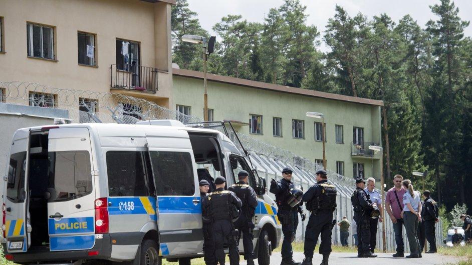 Zařízení pro uprchlíky v Bělé pod Bezdězem na Mladoboleslavsku.