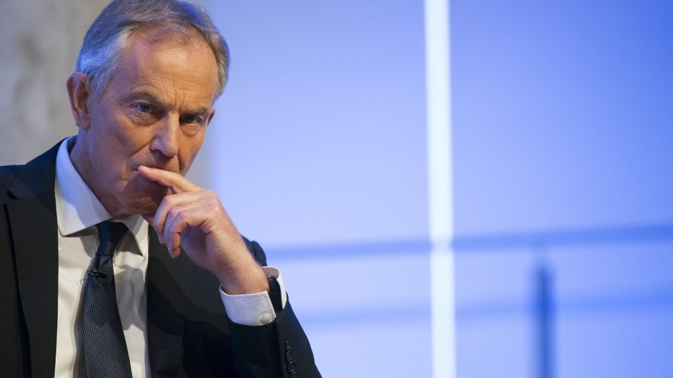 Bývalý britský premiér Tony Blair se omluvil za některé své chyby