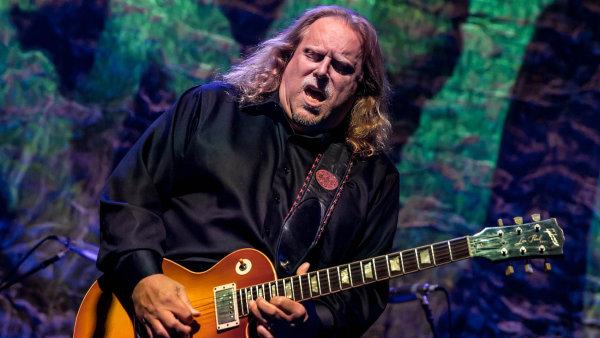 Americký kytarista Warren Haynes na snímku z letošního září.