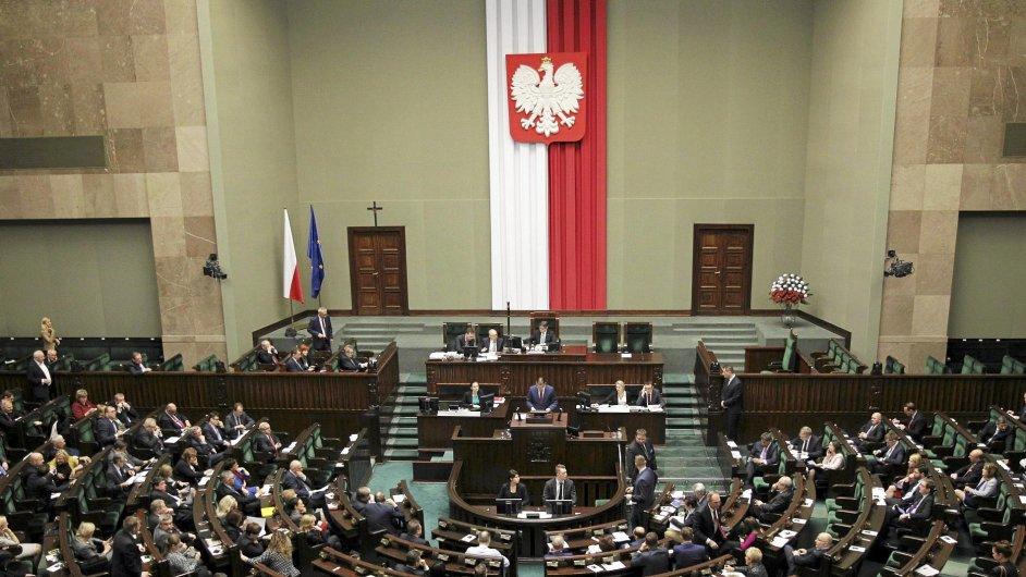 Polsko, parlament, změna zákona